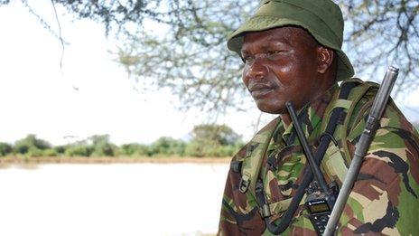 Loldikir asegura que arrestar a los cazadores furtivos es una pérdida de tiempo. Por ello afirma que disparan a matar.
