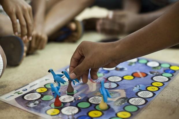 Jogos sobre a espécie fazem parte do trabalho de educação ambiental do Projeto Conservação das araras-azuis no Mosaico Carajás