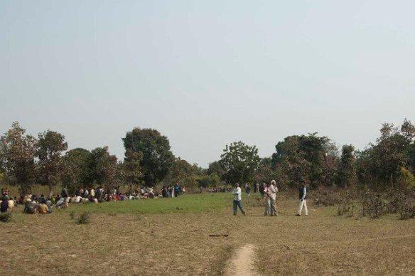 Village crowd gathered when Shashi entered the village (c) Satyendra Tiwari