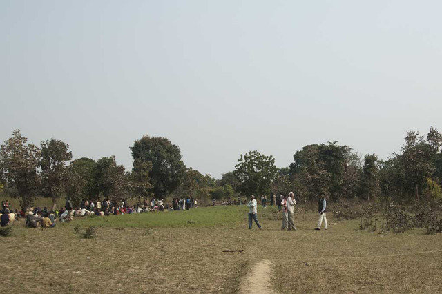 Village crowd gathered when Shashi entered the village (c) Satyendra Tiwari